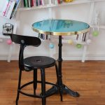 NICOLLE_CHAISE_NOIRE_TABLE_BISTROT_ARDAMEZ-600×900