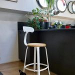 NICOLLE_KITCHEN_STOOL_CHAIR_LOOM_METAL_GLOSSY_WHITE-600×972